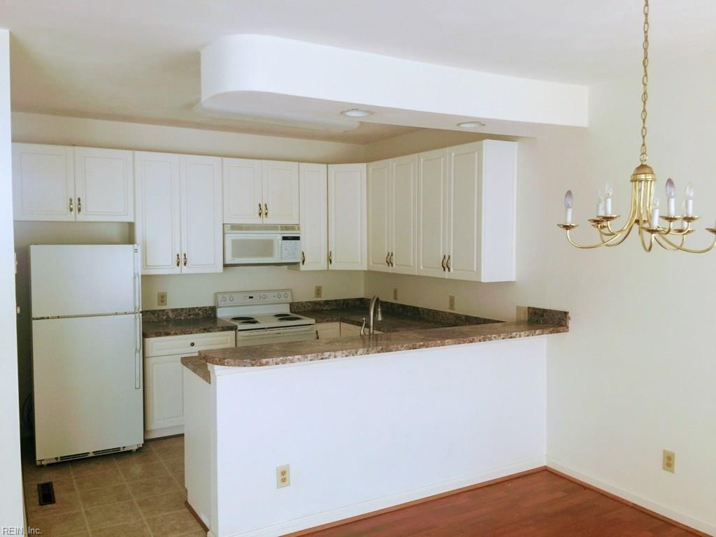 Photo 2 of 405 Hidden Shores CT, Unit 102, Virginia Beach, VA  23454,
