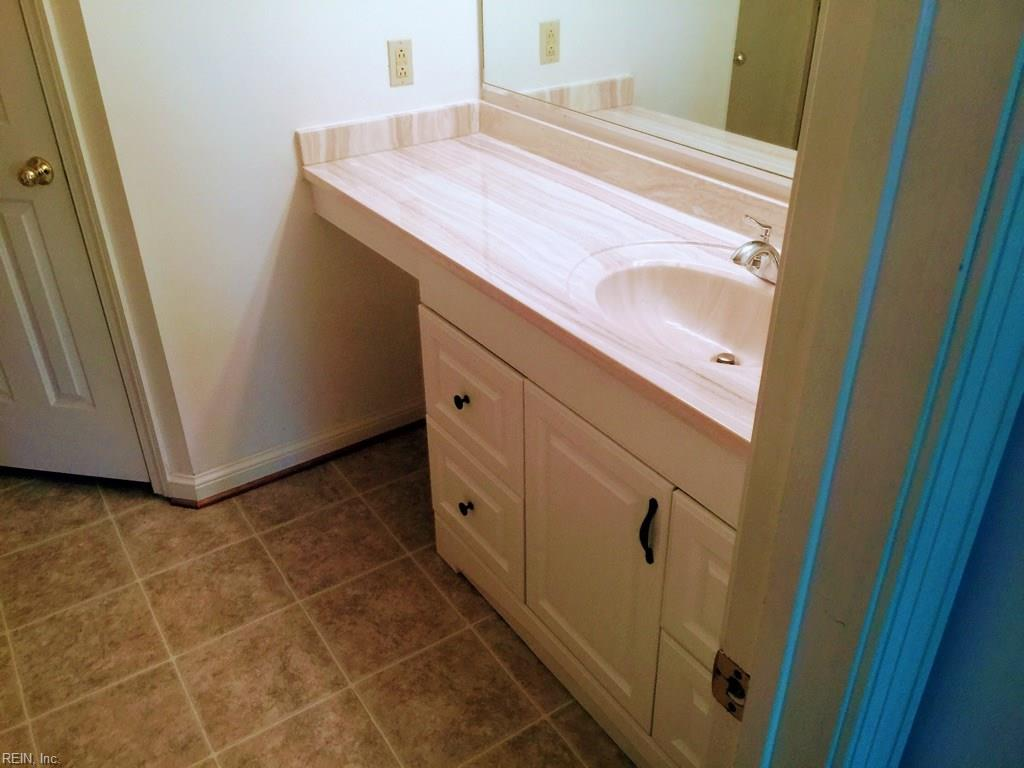 Photo 4 of 405 Hidden Shores CT, Unit 102, Virginia Beach, VA  23454,