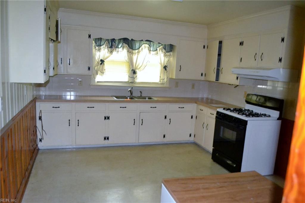 Photo 13 of 610 Turlington RD, Suffolk, VA  23434,