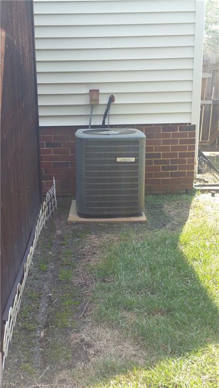 Photo 7 of 1020 Austin DR, Chesapeake, VA  23320,