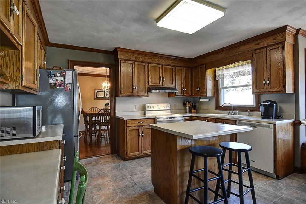 Photo 18 of 809 Woodrow CT, Chesapeake, VA  23322,