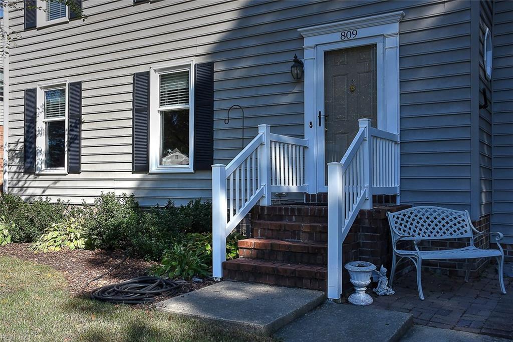 Photo 3 of 809 Woodrow CT, Chesapeake, VA  23322,