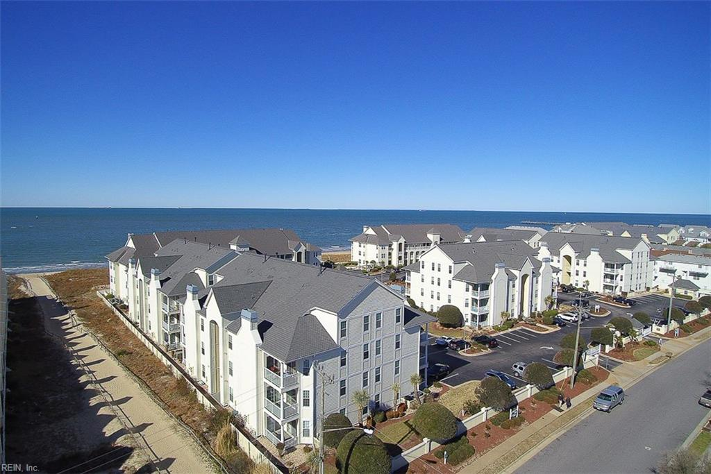Photo 4 of 3159 Silver Sands CIR, Unit 300, Virginia Beach, VA  23451,