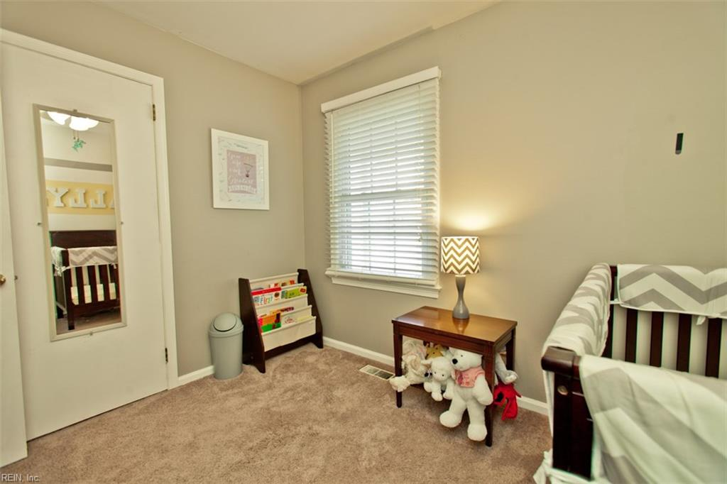 Photo 10 of 453 Dunmore DR, Newport News, VA  23602,