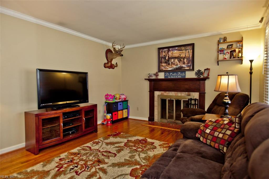 Photo 2 of 453 Dunmore DR, Newport News, VA  23602,