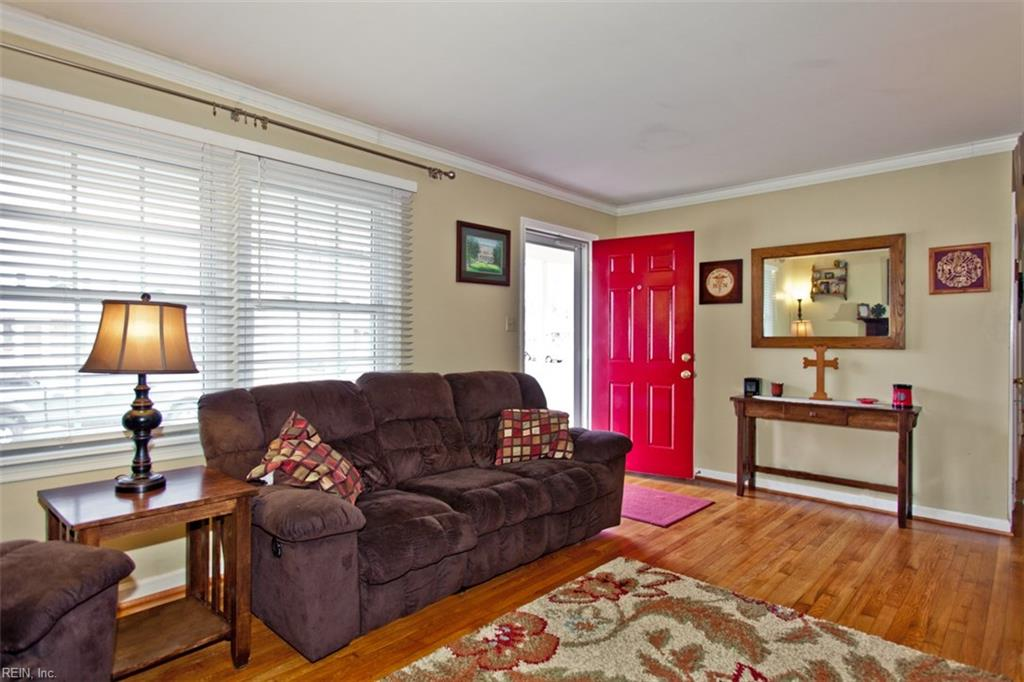 Photo 3 of 453 Dunmore DR, Newport News, VA  23602,