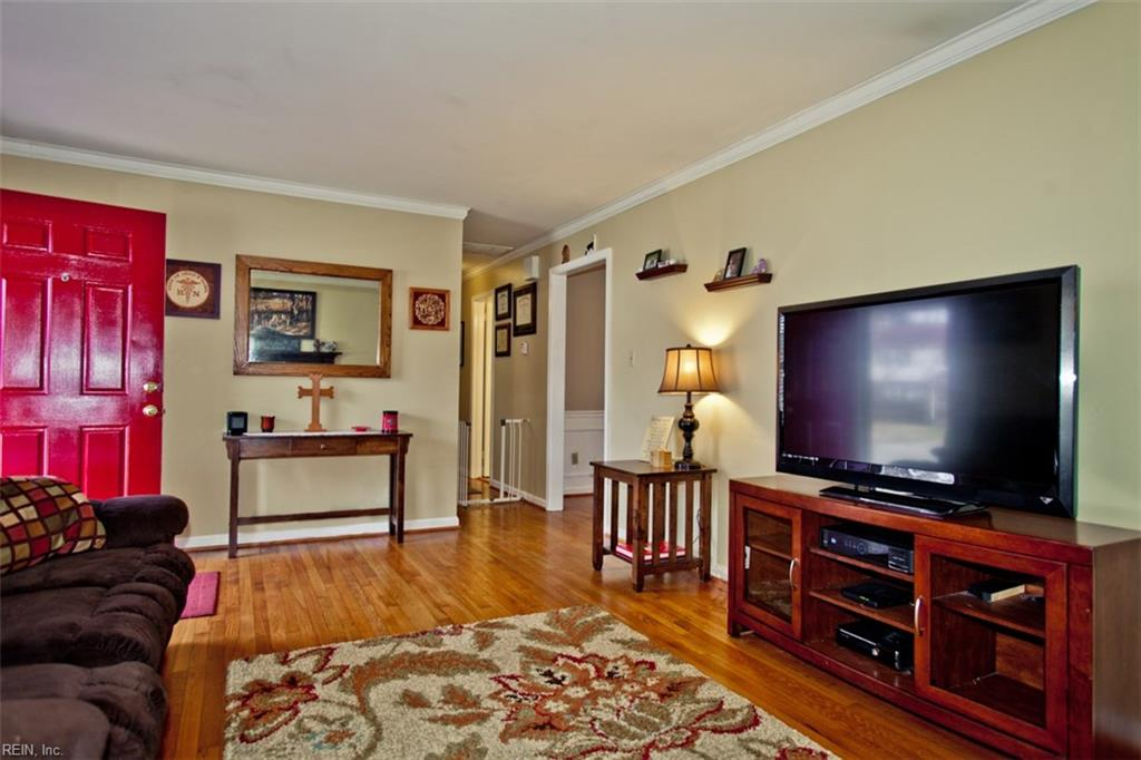 Photo 4 of 453 Dunmore DR, Newport News, VA  23602,