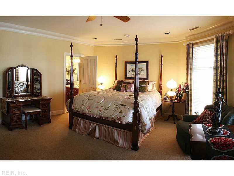 Photo 17 of 509 Virginia Dare DR, Virginia Beach, VA  23451,